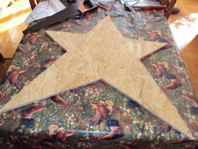 voici mon étoile lumineuse faite par mes soins =)