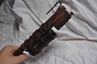 """Grenade artisanale """"Pétard Raquette"""""""