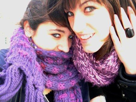 Ma soeur de coeur, tu es entrée dans ma vie... Jamais je t'oublirais et je ne suporterais pas...de pas venir cette été, soeurette plein de bonheur avc toi, de souvenir, de photo et de rire, jespere que il y en aura encore...Tu es ma seuL et uniK grande soeur et je t'aime bien plus qu'une simple amis ! Jamais je t'oublirais, Je t'aime & tu me manK bcp bcp ! GranDe soeur <3