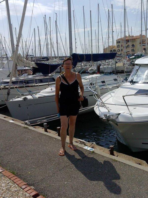 moi  au port lecate  mes vascancesde 2013