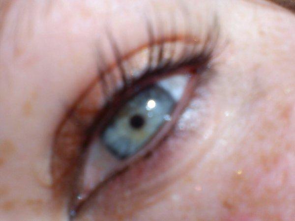 J'aime mes yeux car sans eux je ne te verrais pas (l)