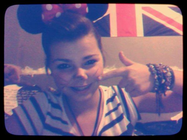 Je suis a la recherche de mon Mickey.. ;$ ♥