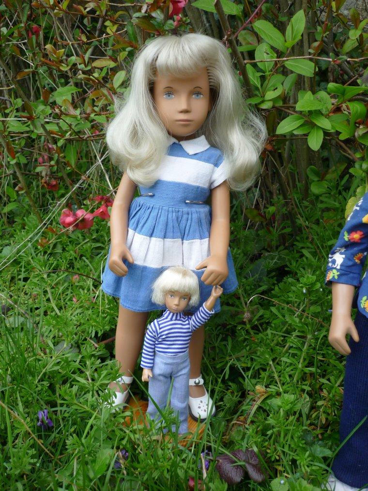Sasha et sa poupée