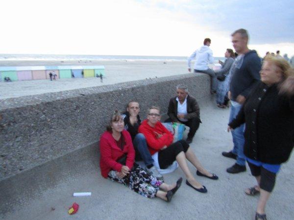 on a été à la mer au 14 juillet il faisait  froid de canard+je suis prêt d'aller à la mer 14 juillet♥ஐﻬღ♥ღﻬஐ♥ ♥ஐﻬღ♥ღﻬஐ♥