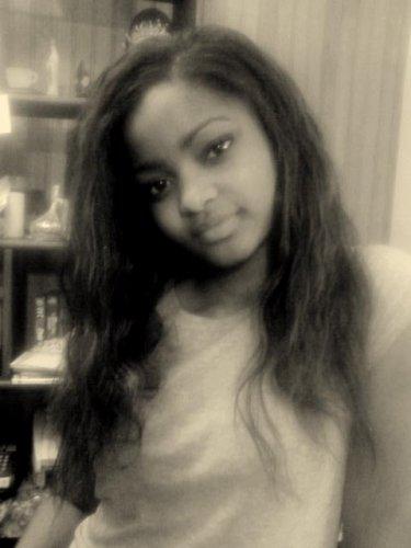 ladyz-from-kmer mon pays le cameroun ma vie mes potes