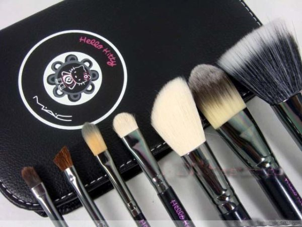 Set cosmétique Brosse Hello Kitty