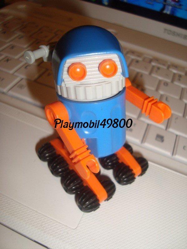 jolie Femme n°3245 + robot n°3318