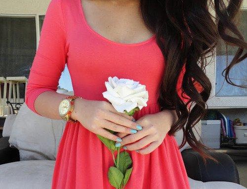 Ça prend une minute pour remarquer quelqu'un, une heure pour l'apprécier, une journée pour l'aimer, mais une vie pour l'oublier.