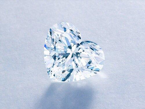 L'être aimé doit être comme un bijoux : précieux, unique et avoir de la valeur à nos yeux.