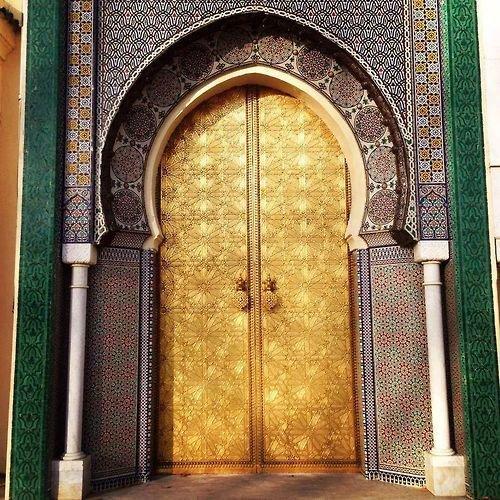 Un secret bien gardé c'est comme une porte fermée.