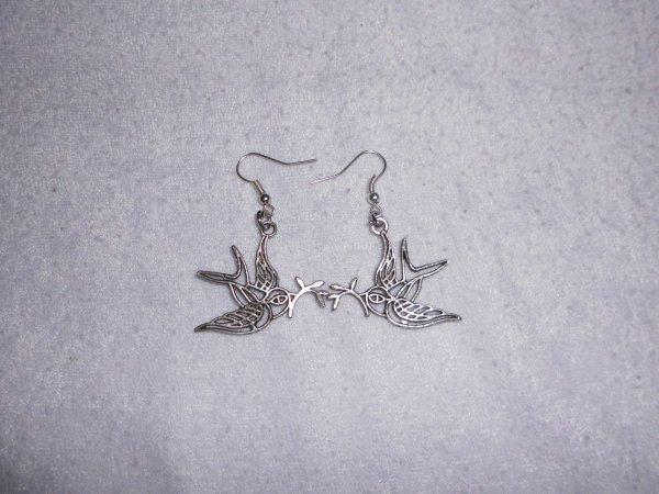 boucles d'oreilles oiseau avec branche