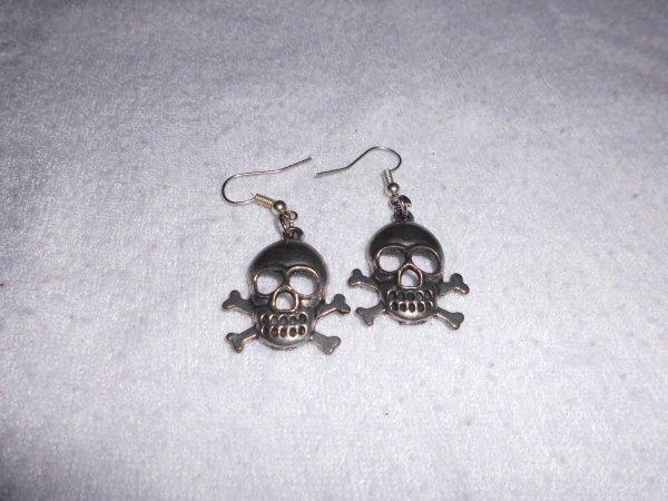 boucles d'oreilles tête de mort