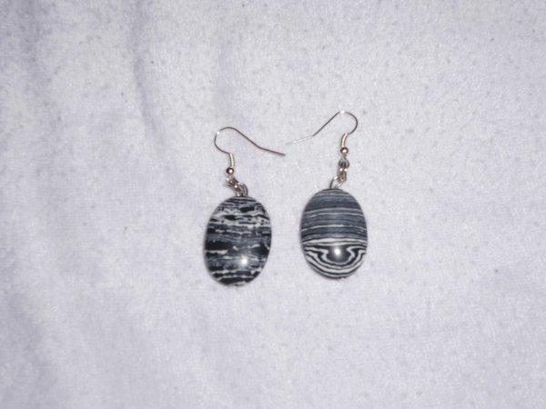 boucles d'oreilles perles ovale zébrés