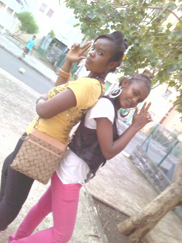 MI AND MY SISTER!!!!!!!!!!!!!!!!!!!!
