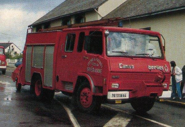 BERLIET 770 KB6 en version Fourgon Pompe Tonne.......