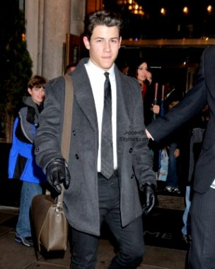 24/02/11 : Nick était à la Maison Blanche au  Motown Tribute à Washington