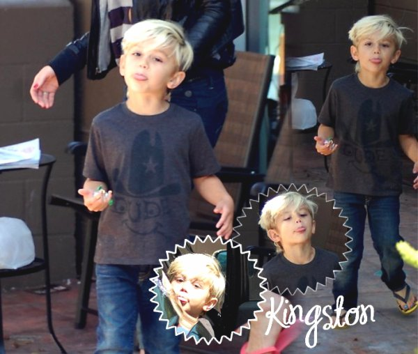 Gwen and Kingston : Mother and Son's day at a Nail Salon (75)