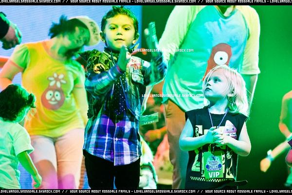 """Gwen , Gavin and The Boys : At """"Yo Gabba Gabba Live!"""" Show"""
