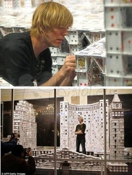 ce type est trop fort au château de carte !