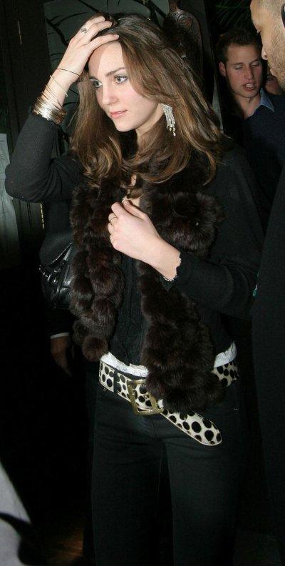Mahiki - Oops ! William Is Not Sober And Kate Wears Fur - 7 December 2006