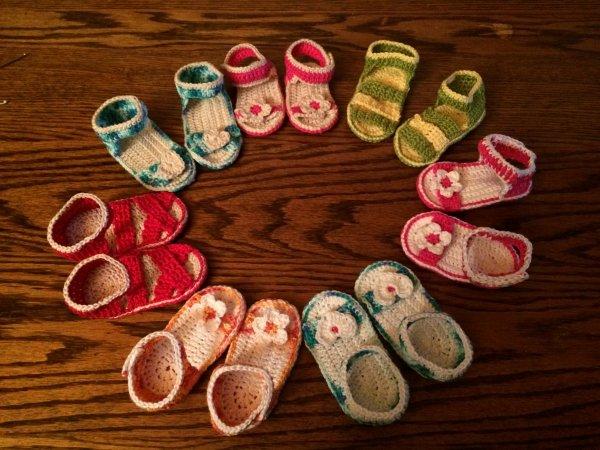 Petites sandalettes bébé