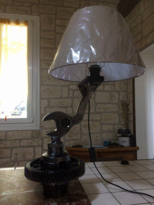 Lampe Meca sclpture Falko