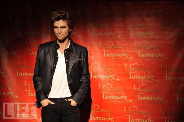 Joyeux Anniversaire Robert Pattinson ^^