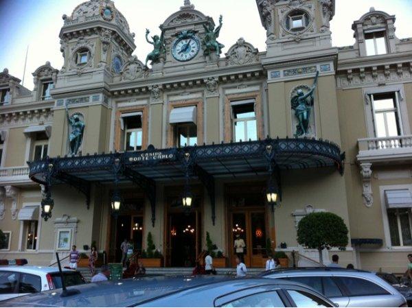 Monaco (€€€€) x)