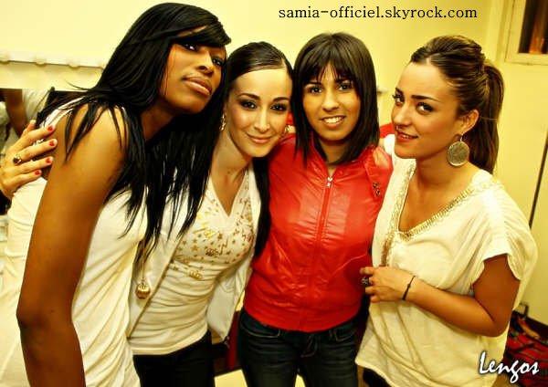 Samia en première partie du concert de Léa Castel à St-Leu la Foret (95) *************************_________________________________________________________Page Facebook Officielle @@@ Twitter Officiel @@@ Mes vidéos @@@ Forum de soutien