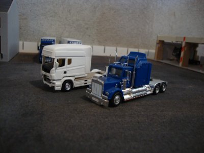 longline VS kenworth