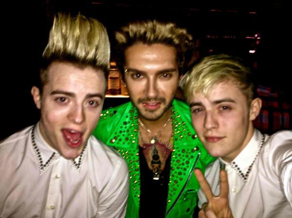 02.02.2013 - Bill avec Jedward, Los Angeles.