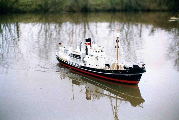 RAU IX ( chasseur de baleines )