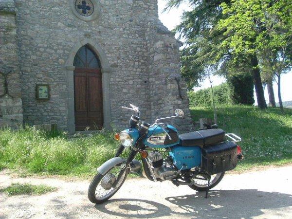 Balade en moto dans l'Aude