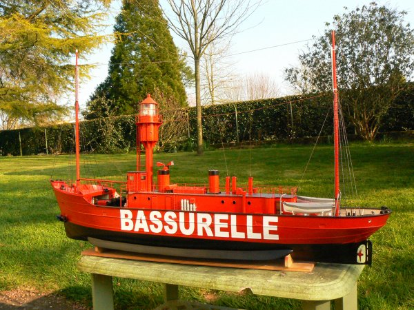 Bateau feu BF7 Bassurelle de Dunkerque