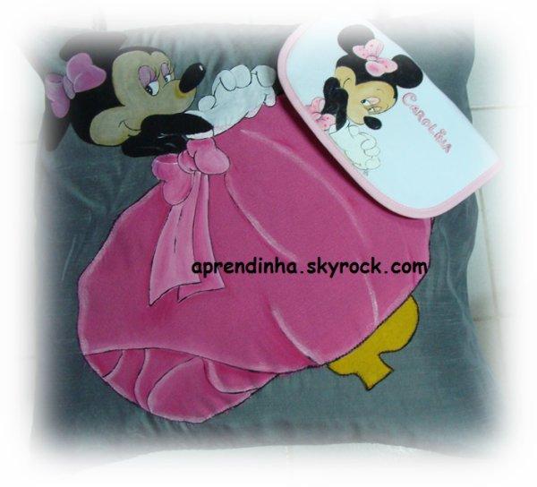 Minie almofada e babete/ fralda e toalha