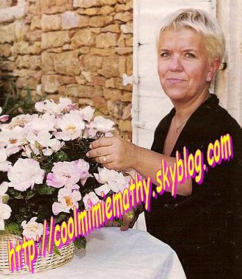 ~~> Mimie 80  Une fleur à son nom.