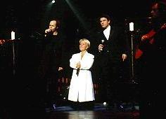 Emission - Télévision - Vidéo  Mimie chante avec Marc Lavoine et Jean-Jacques Goldman    Mimie Mathy aux Enfoirés