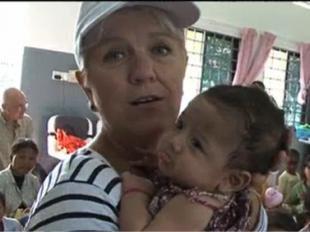 Emission - Télévision - Vidéo         Mimie Mathy, témoin de l'action de l'Unicef au Cambodge...