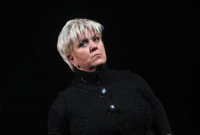 Article presse/interview   Mimie Mathy s'énerve sur Renaud