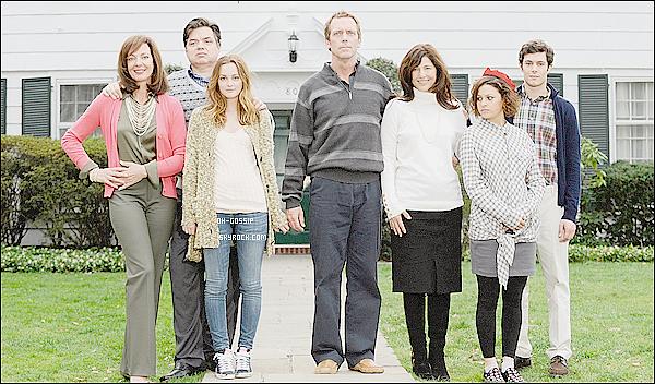 . 28/07/11 : Leigh et son chien sur le set de Gossip Girl avec ses co-stars Chace Crawford et Liz Hurley .