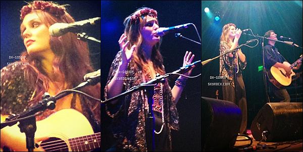 . 04/06/12 | Leighton et « Check in the Dark » étaient à Anaheim pour donner leur dernier concert. Jessica Szhor, Caroline Lagerfelt (Gossip Girl) et Minka Kelly (The Roommate) ont assisté au concert de leur amie Leighton & CITD.  .