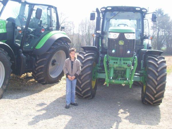 tracteur john derre avec mois devant