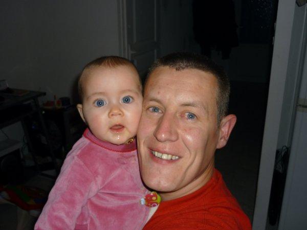 Maïva avec papa