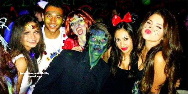 Le 02 Novembre | S. s'est rendu à une fête le 31 octobre dernier, pour célébré Halloween. Trop mimi.♥