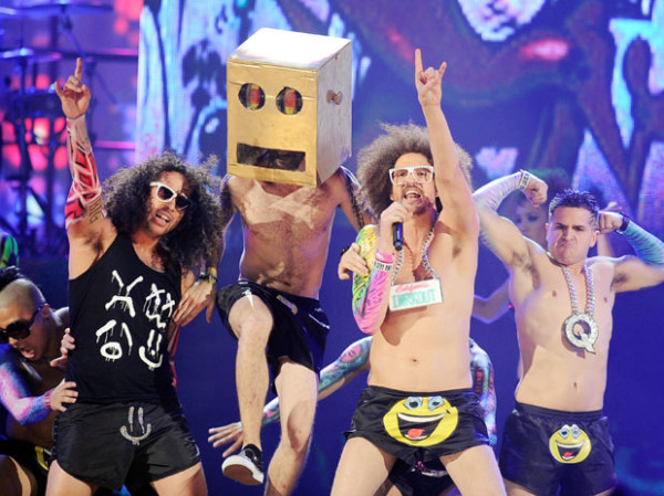 """20 novembre 2011 : Les garçons présent à l'événement """"American Music Awards 2011""""."""