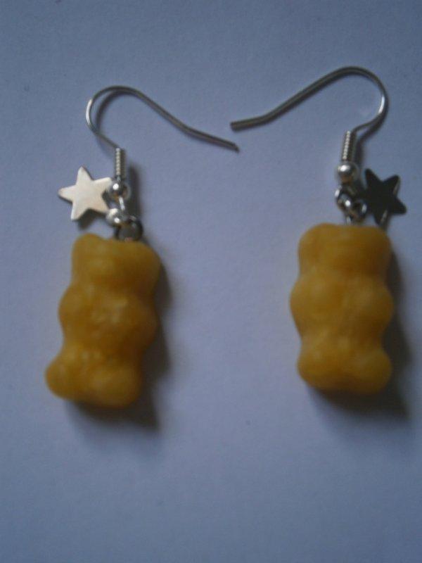 ARTICLE 74 : Boucles d'oreilles ourson jaune.