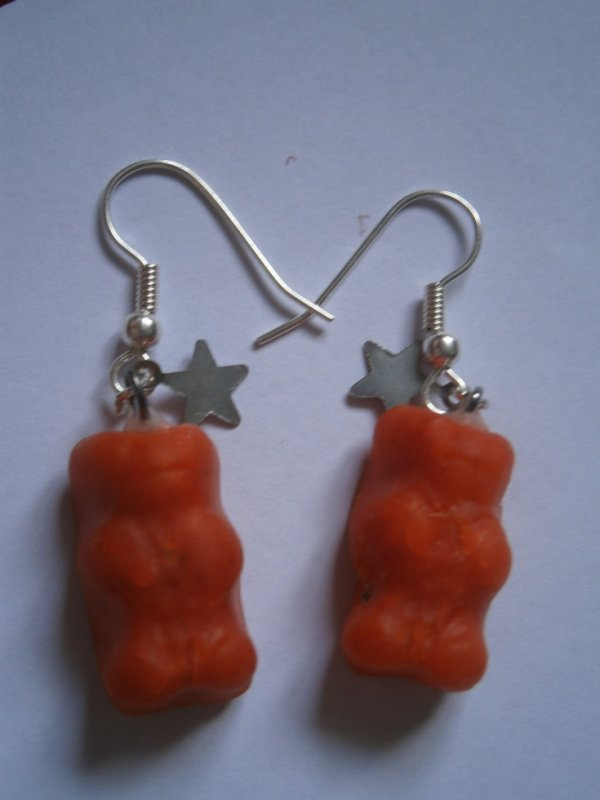 ARTICLE 75 : Boucles d'oreilles ourson orange.