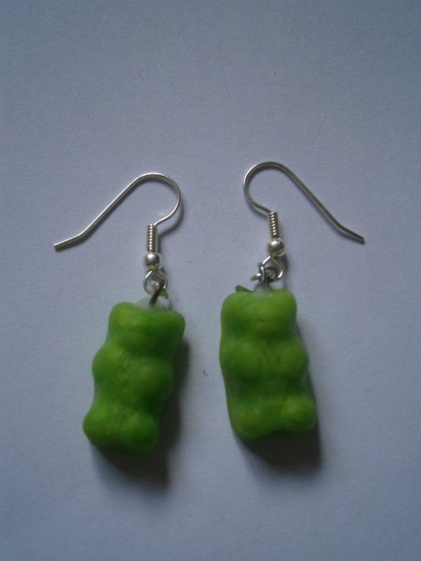 ARTICLE 76 : Boucles d'oreilles ourson vert.