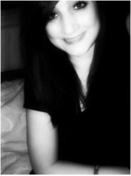 J'suis perdue... Attends deux secondes, j'ai pas fini... Dis-moi qu'tu m'aimes... Dis-moi juste que tu m'aimes. ♥