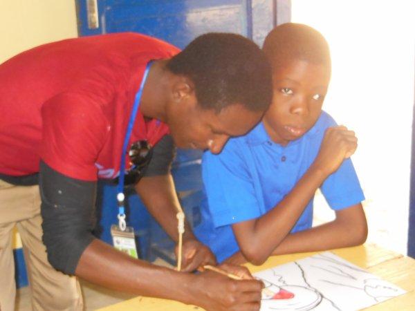 Les récentes photos des dernières activités avec les enfants handicapés mentaux